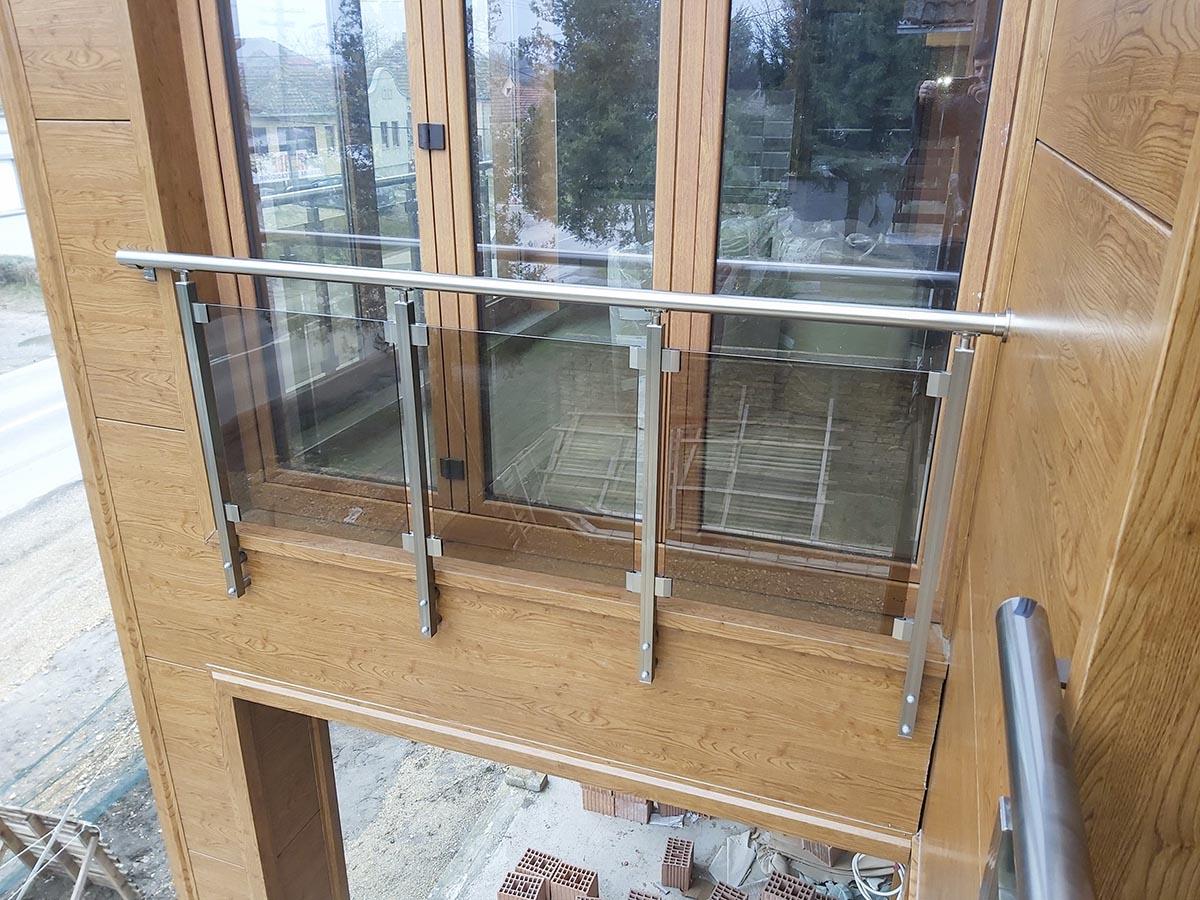 Aluminijumske ograde sa staklenim ispunama