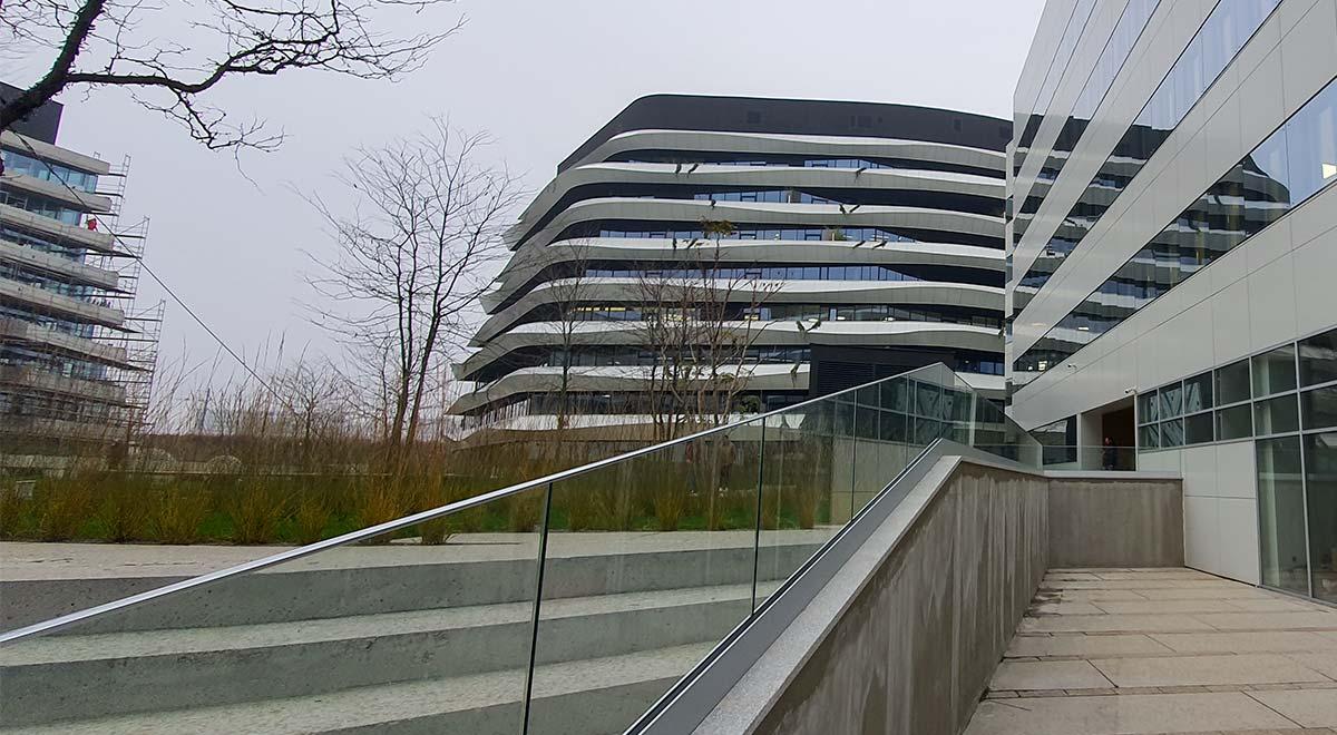 Nasadni sistem staklene ograde Elegant N50 na objektu GTC u Beogradu