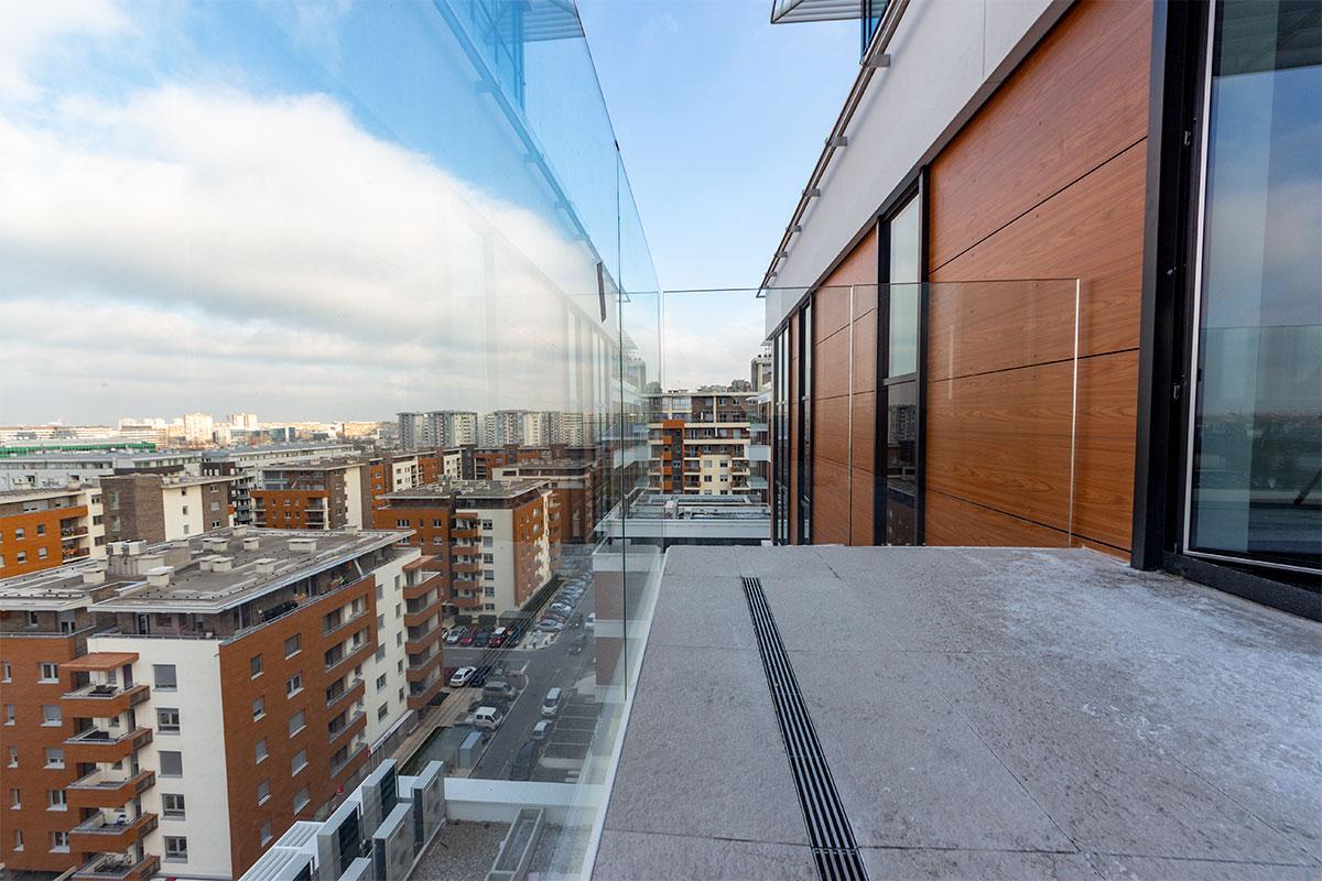 A-Blok Beograd - Lyctum staklena ograda Crea GT50 Inox